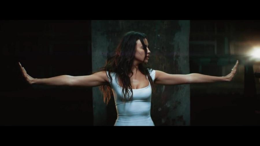 Marc Anthony Rom...I Ain't Your Mama Lyrics Video