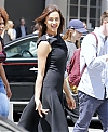 Irina-Shayk--Photoshoot-on-Fifth-Avenue--04.jpg