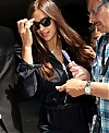Irina-Shayk-Arrives-at-Nice-Airport-in-Cannes--01.jpg