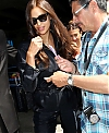 Irina-Shayk-Arrives-at-Nice-Airport-in-Cannes--05.jpg