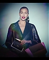 Irina_Shayk_Meets_The_Suzy_Handbag_mp40002.jpg