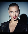 Irina_Shayk_Meets_The_Suzy_Handbag_mp40015.jpg