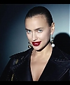 Irina_Shayk_Meets_The_Suzy_Handbag_mp40022.jpg