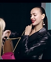 Irina_Shayk_Meets_The_Suzy_Handbag_mp40086.jpg