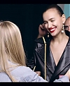 Irina_Shayk_Meets_The_Suzy_Handbag_mp40099.jpg