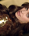 Irina_Shayk_in_L_Oreal_Paris_Luxury_6_Oils_for_Russia_-_Dir_Cut_mp40191.jpg