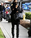 Irina_Shayk_seen_at_LAX_dMWh9whj1ktx.jpg
