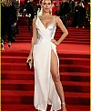 irina-shayk-fashion-awards-2017-01_21fc944e11c197c8f2eafd4a55686746.jpg