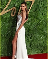 irina-shayk-fashion-awards-2017-04_0da56f97ed10c091f9d9c76317a8ea93.jpg